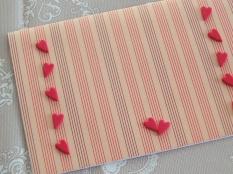 Le decorazioni: cuoricini in gomma crepla